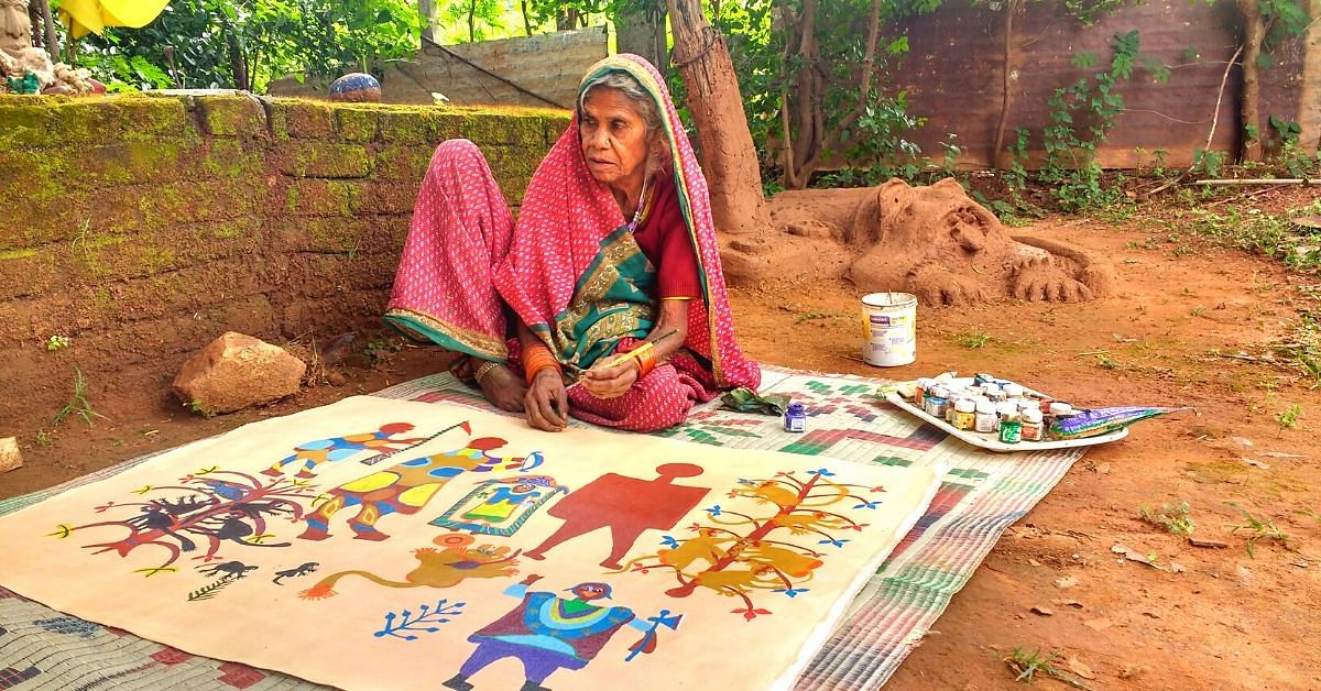 80-YO Tribal Woman Learnt Painting At 70. Today Her Art Sells In Milan & Paris!