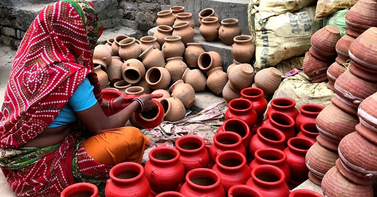 This Diwali, Visit Delhi's Potters' Colony & Meet the Artists Behind Your Diyas!