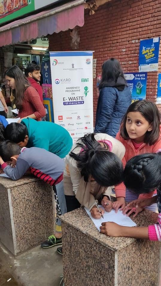 Raising awareness among school children. (Source: Karo Sambhav)