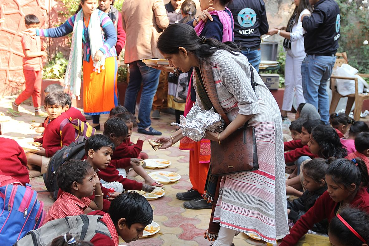 Children at one of Sunaayy Foundation's Delhi centres receiving a meal. (Source: Sunaayy Foundation)