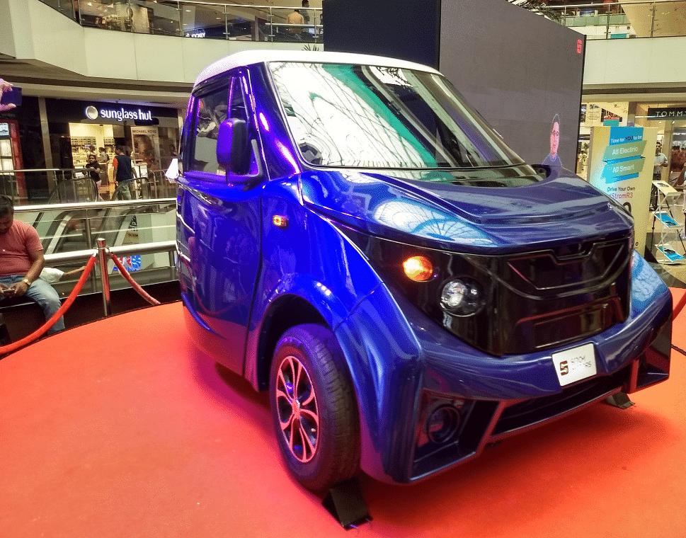 Strom R-3 model on display. (Source: Twitter)