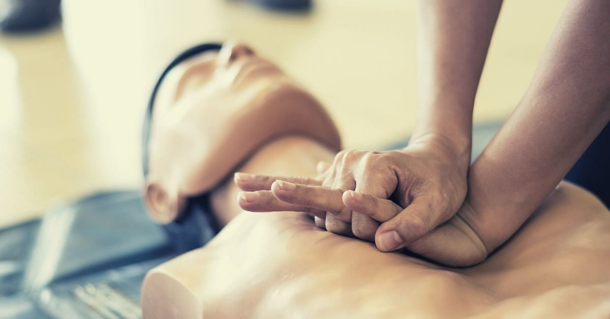 How to Perform CPR: 6 Easy Steps That Could Save a Life