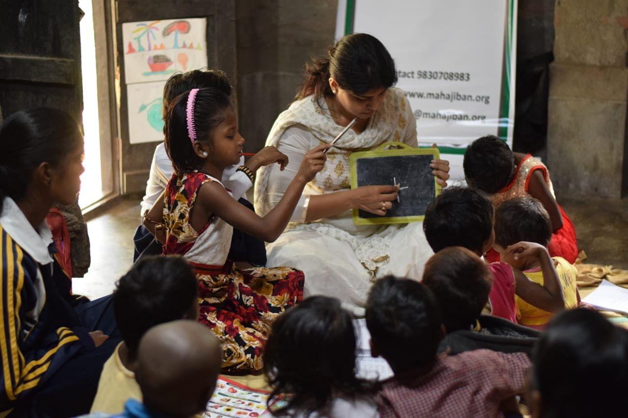 kolkata woman rescues street children drug addiction dendrite hero india jov30
