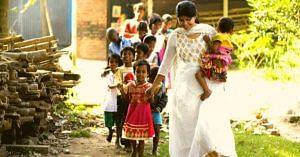 kolkata-woman-rescues-street-children-drug-addiction-dendrite-hero-india-jov30