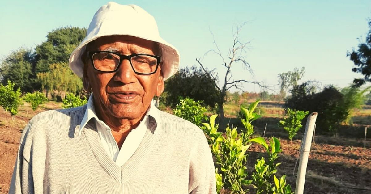 91-YO Spends 40 Years Breathing Life Into Barren Land, Grows Mini-Forest in Drought-Affected Satara!