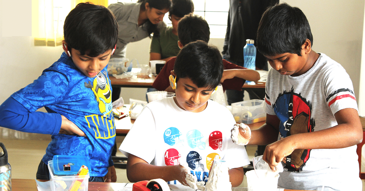 Mysuru Men Quit Jobs To Set Up An 'Ashram' That's Making Science Fun for 5000+ Kids!