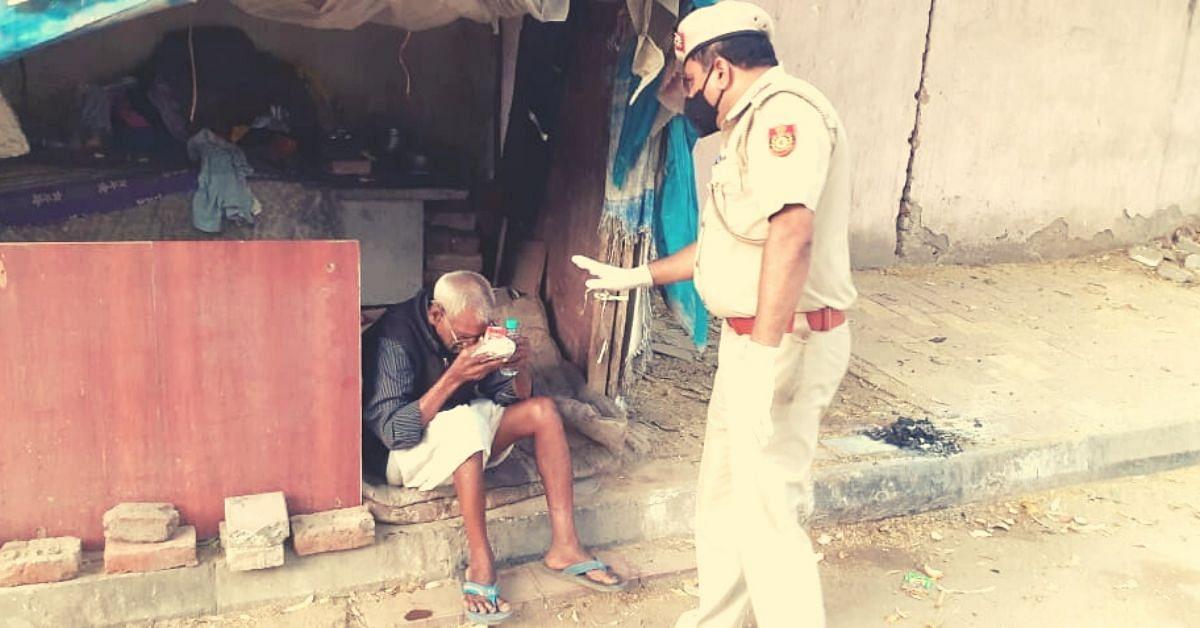 #CoronaWarrior: Meet the Delhi Cop Ensuring 350 Slum Families Don't Go Hungry