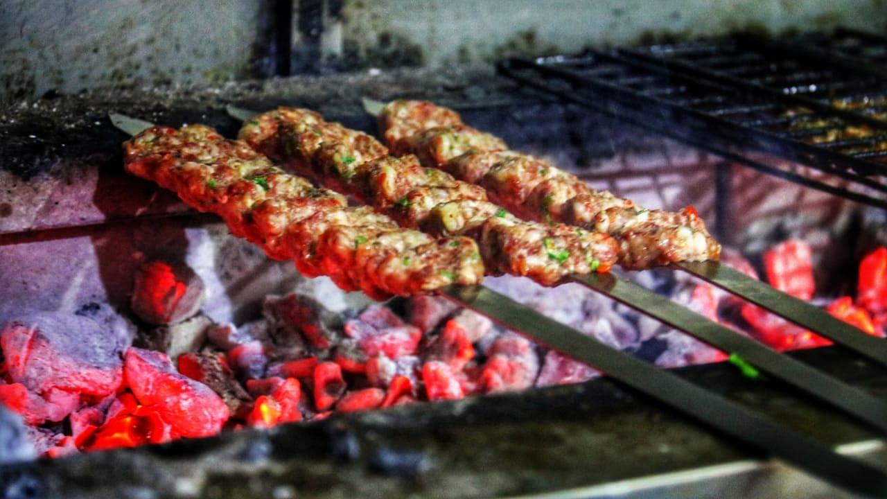 Como chefes de uma equipe e Nawabs desdentados deram à Índia seus kebabs 4