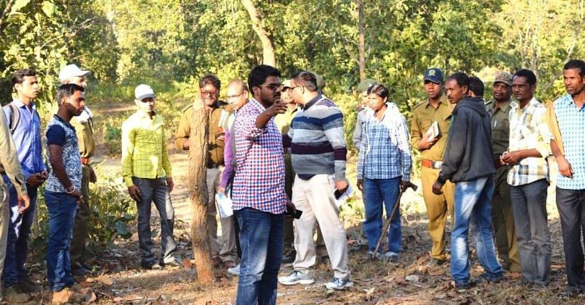 Engenheiro de Chhattisgarh desiste do trabalho para lutar contra caçadores de tigres;  Limpa centenas de armadilhas 3