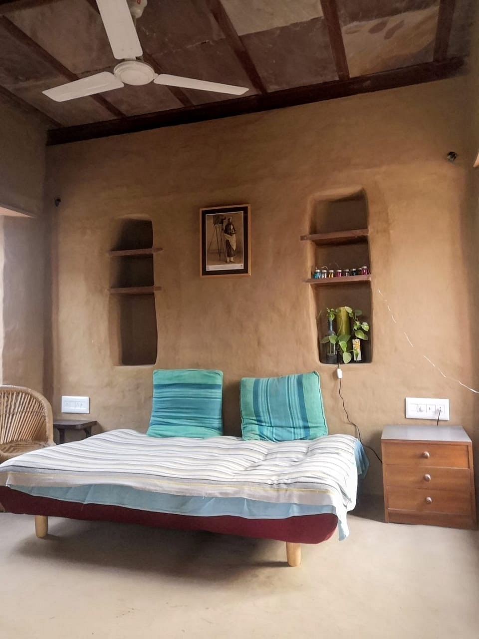 Eco-friendly house with mud-plastered walls