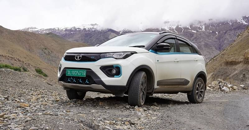 On the way to Kaza by EV SUV
